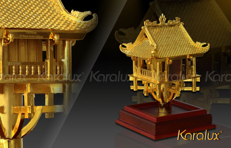 The unique gold-plated One Pillar Pagoda model