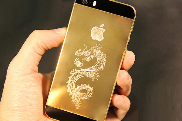 iphone 5 mạ vàng 24k có hình thức giống 5S màu vàng