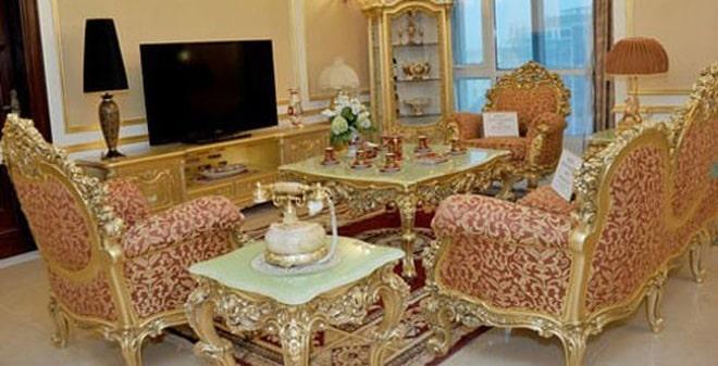 D'Palais de Louis mạ vàng cao cấp và sang trọng giá siêu khủng