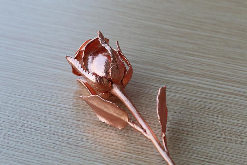 Bông hoa hồng mạ vàng độc đáo màu hồng Karalux