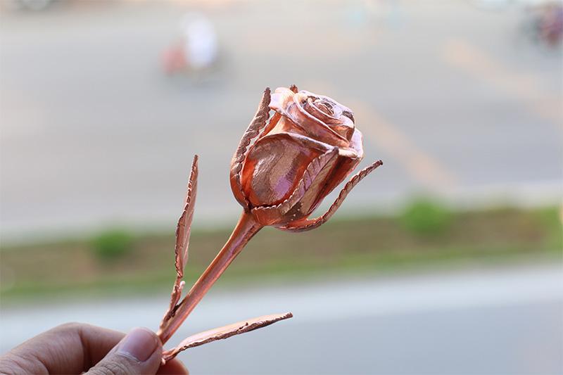 Giá bán hoa hồng dát vàng hồng lạ mắt, sang trọng tại Hà Nội, Tp HCM