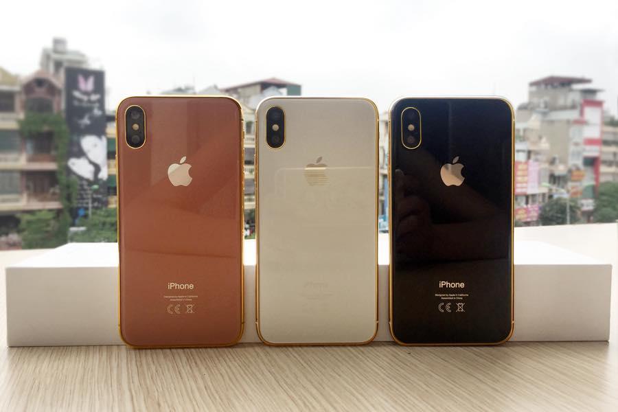 Mô hình iPhone 8 mạ vàng