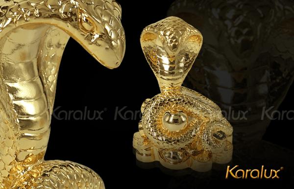 Linh vật rắn phong thủy mạ vàng 3