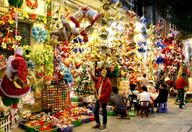 Hội chợ Noel 2013 với nhiều gian hàng cao cấp