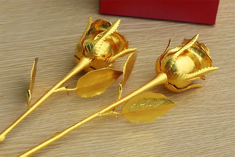 Bông hồng mạ vàng độc đáo là quà tặng Valentine cao cấp 2014