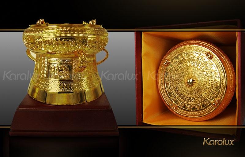 Trống đồng mạ vàng 24K loại nhỏ, quà tặng cho khách Quốc tế