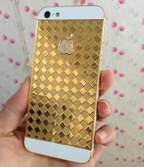 Vỏ iPhone mạ vàng của Trung Quốc tràn ngập thị trường Việt Nam