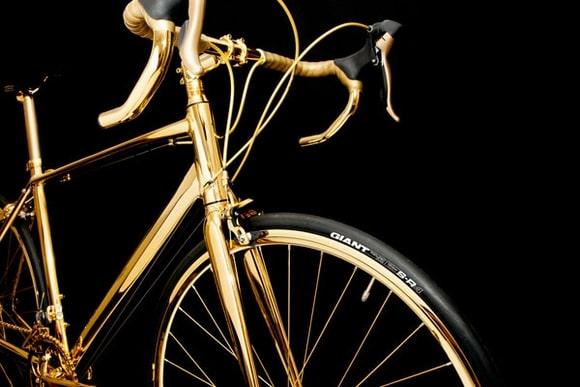 xe đạp mạ vàng độc đáo