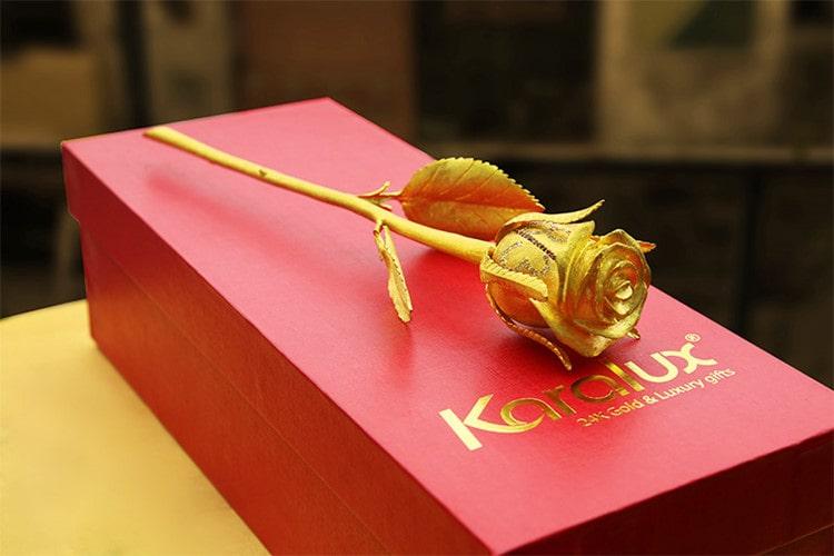 Hoa hồng dát vàng độc đáo nhất 2014