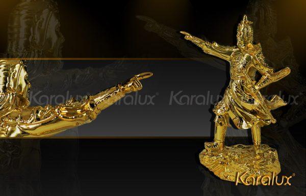 Tượng Trần Hưng Đạo mạ vàng 1