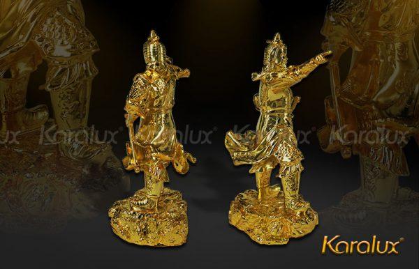 Tượng Trần Hưng Đạo mạ vàng 2