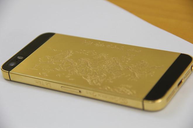 Điện thoại mạ vàng sang trọng