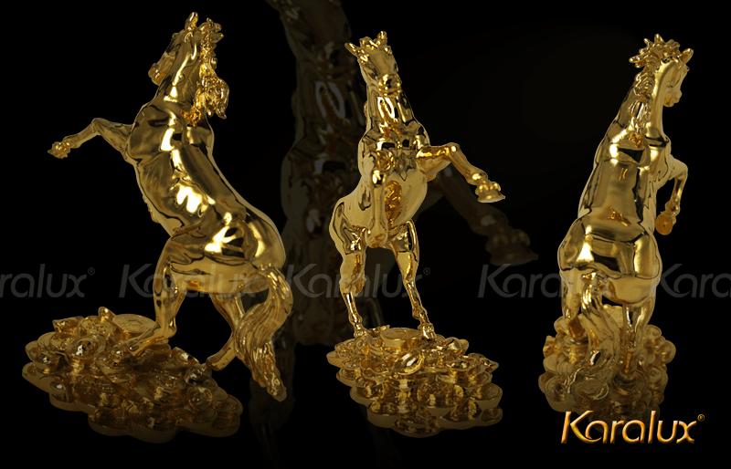 Trưng bày tượng ngựa phong thủy bằng đồng mạ vàng 3