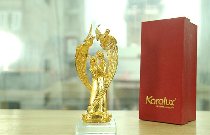 Biểu tượng uyên ương mạ vàng 24K|Qua tang tinh yeu doc dao nhat 2014