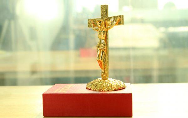 Tượng chúa giê su mạ vàng 2