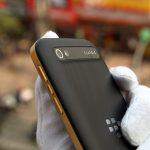 BlackBerry Classic mạ vàng 4