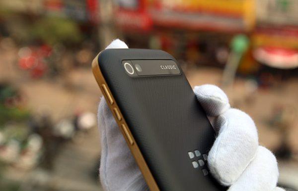 BlackBerry Classic mạ vàng 2