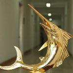 Cá Kiếm phong thủy mạ vàng 4