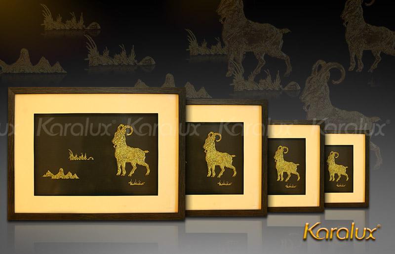 Quà biếu sếp: Tranh mạ vàng 24K linh vật Dê phú quý