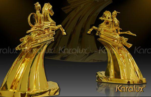 Tượng Thánh Gióng mạ vàng độc đáo 3