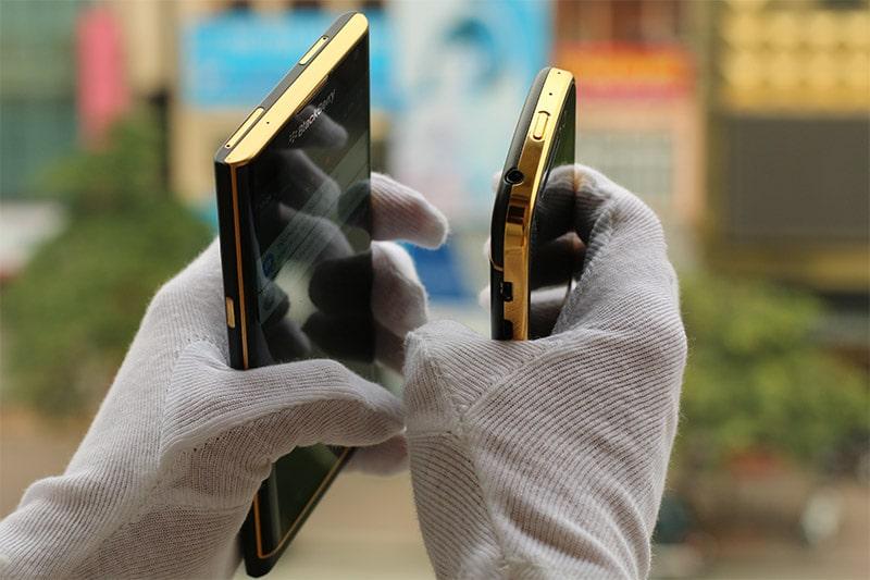 BlackBerry Priv khoe dáng cùng BlackBerry Q10 mạ vàng
