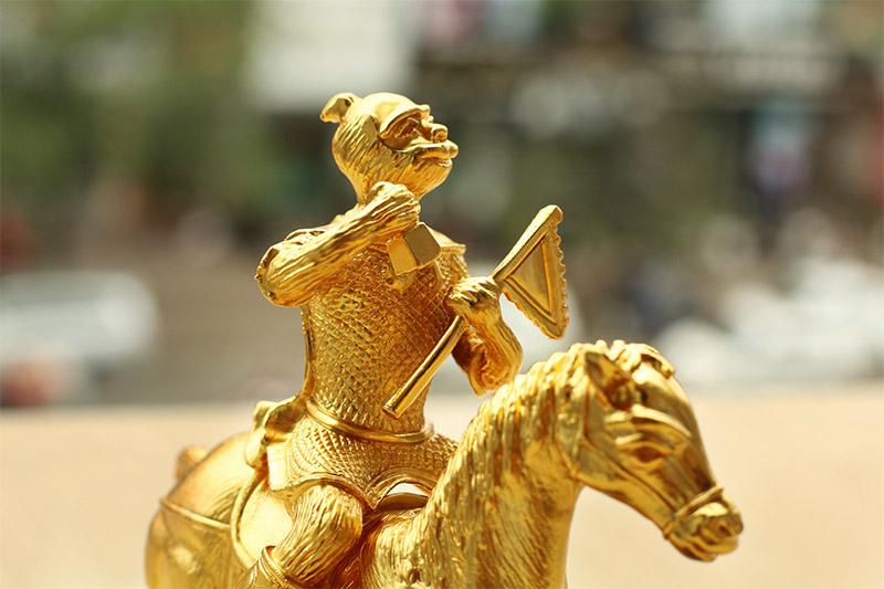 Mẫu tượng Mã thượng phong hầu được Karalux chế tác và giới thiệu trọng dịp tết 2016