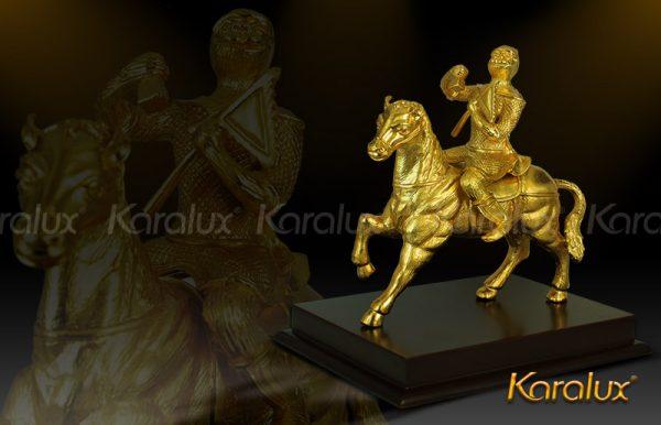 Tượng khỉ cưỡi ngựa mạ vàng (mẫu 1) 1