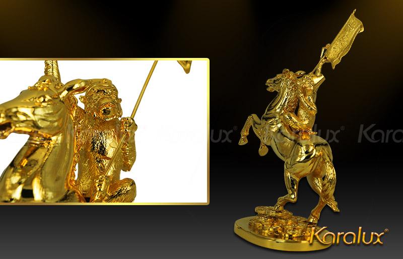 Linh vật phong thủy Khỉ cưỡi ngựa bằng đồng mạ vàng 24K