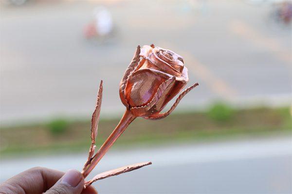 Bông hồng mạ vàng hồng độc đáo 1