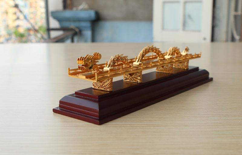 Cầu Rồng Đà Nẵng mạ vàng 24K, Karalux giới thiệu quà tặng biểu trưng của Tp Đà Nẵng