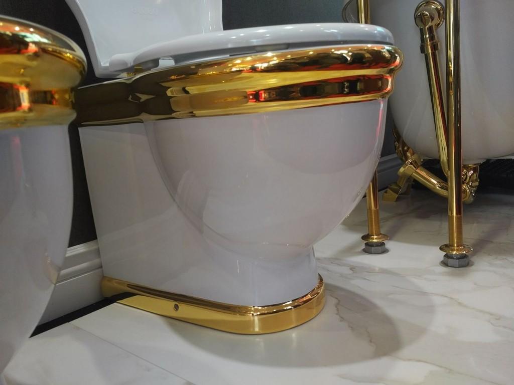 Thiết bị phòng tắm mạ vàng lên ngôi tại hội chợ Vietbuild 2017 10