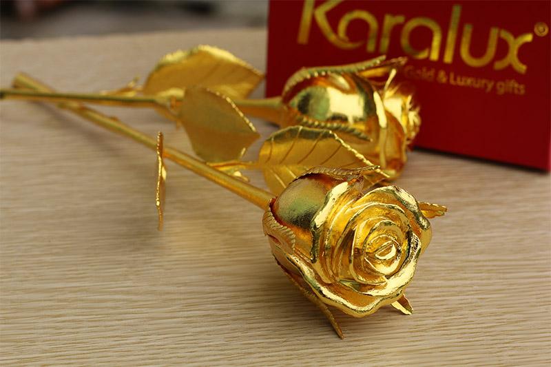 Quà 8 tháng 3, 14 tháng 2 cho chàng, cho nàng: Hoa hồng đúc đồng mạ vàng 24K