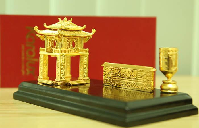 Biểu tượng thủ đô Hà Nội mạ vàng 24K