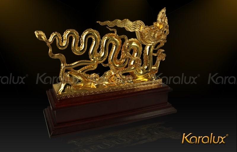 Biểu tượng Rồng thời Lý mạ vàng 24k độc đáo nhất 2014