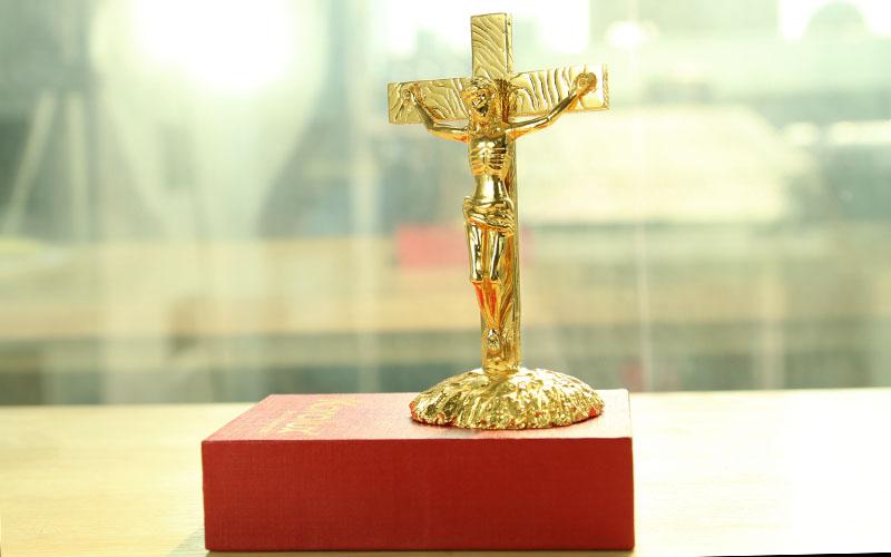 Cây Thập tự giá là món quà ý nghĩa cho người Công giáo