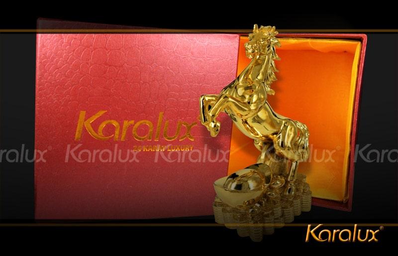 Ý nghĩa tượng phong thủy ngựa thịnh vượng mạ vàng 24K