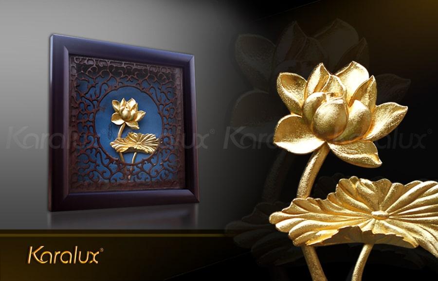 Bức tranh hoa sen để bàn mạ vàng 24K 9