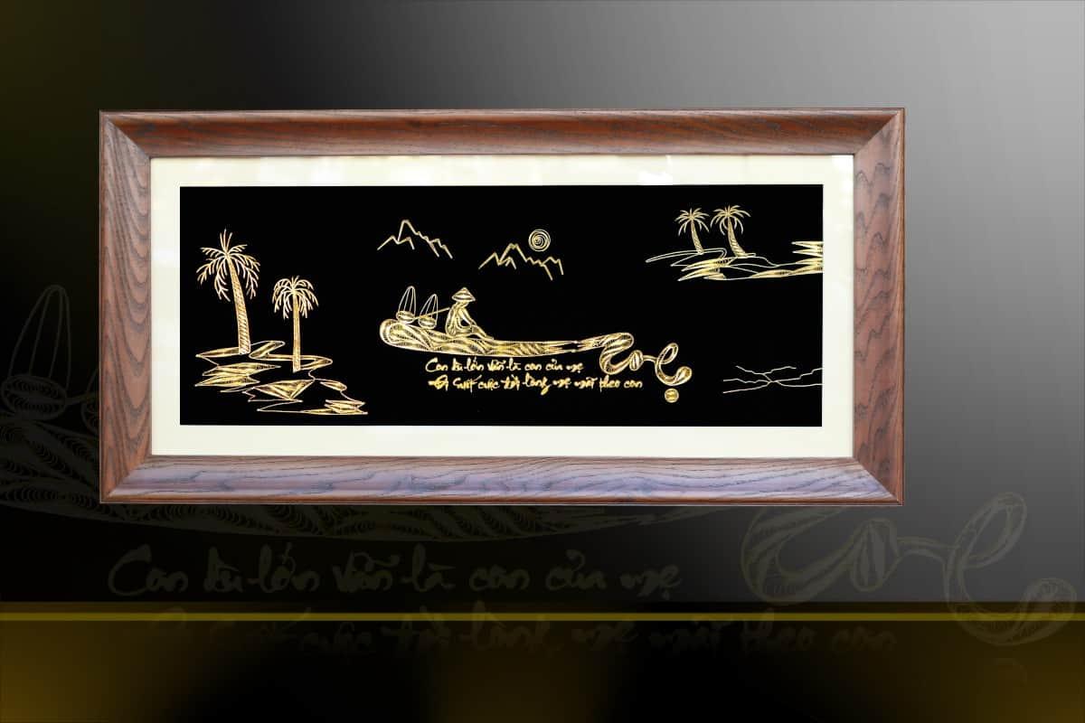 Tranh chữ mẹ mạ vàng 24k được các nghệ nhân chế tác thủ công tinh xảo từ bạc, mạ vàng 24k