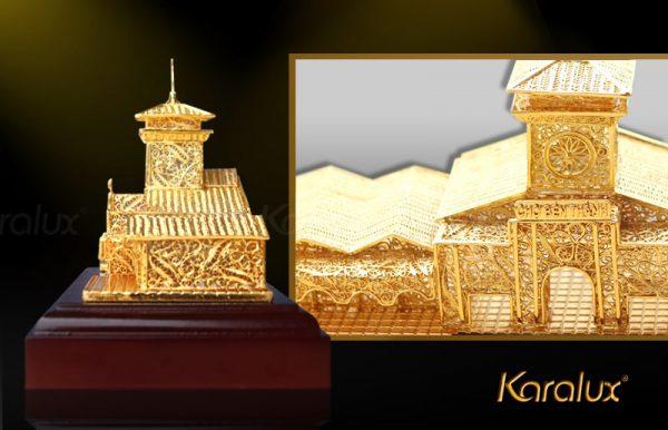 Mô hình chợ Bến Thành mạ vàng bởi Karalux 3