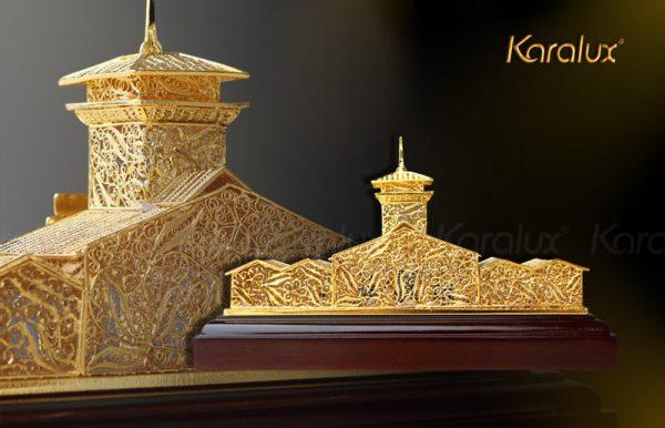 Mô hình chợ Bến Thành mạ vàng bởi Karalux 2