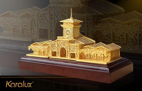 Mô hình chợ Bến Thành mạ vàng bởi Karalux 1