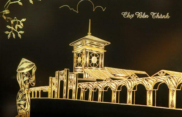 Bức tranh chợ Bến Thành mạ vàng 2