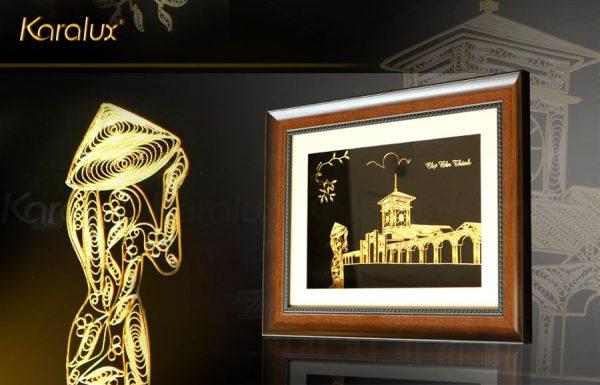 Bức tranh chợ Bến Thành mạ vàng 1