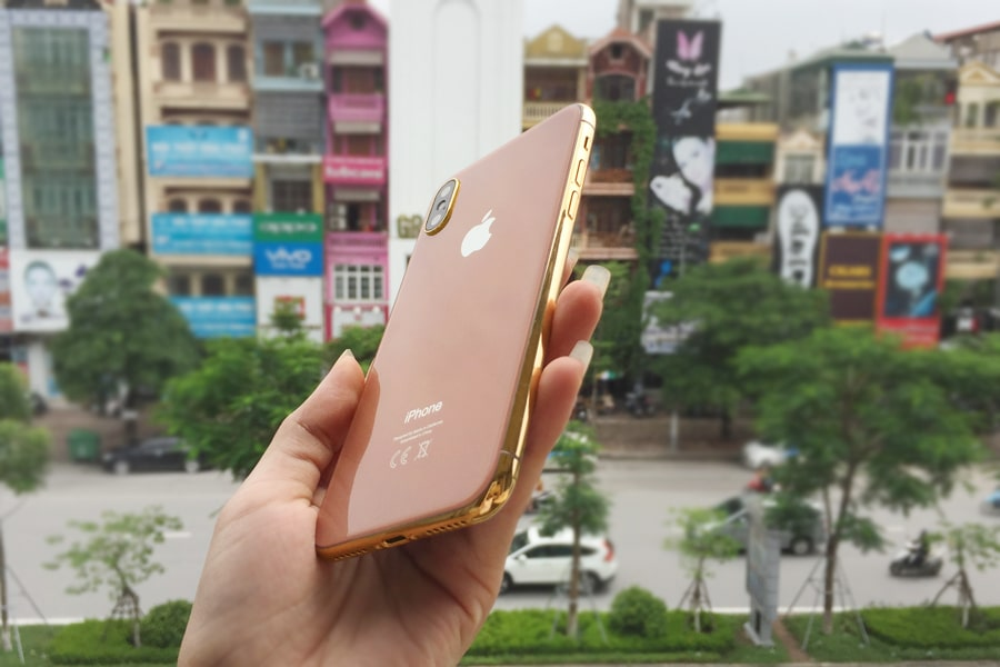 iPhone 8 với màu DarkSalmon khá độc đáo và mới lạ