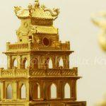 Mô hình Tháp Rùa mạ vàng 10