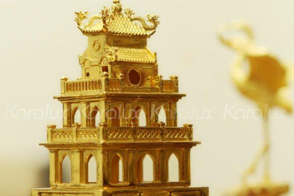 Mô hình Tháp Rùa mạ vàng 4