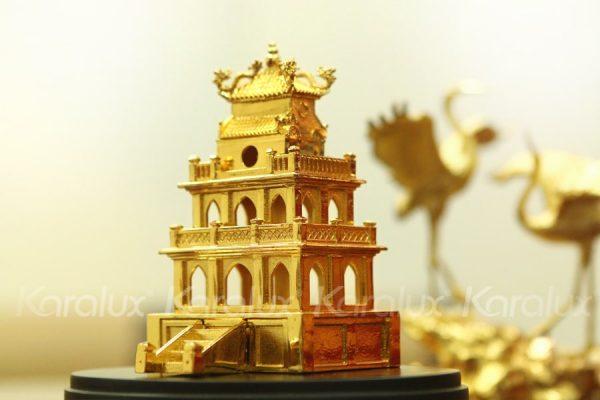Mô hình Tháp Rùa mạ vàng 1