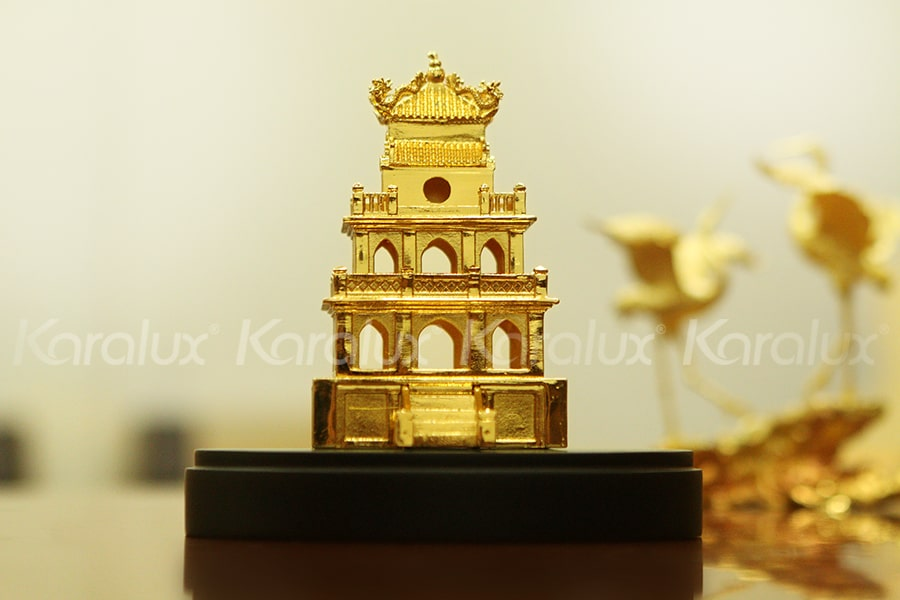Mô hình Tháp Rùa mạ vàng 15