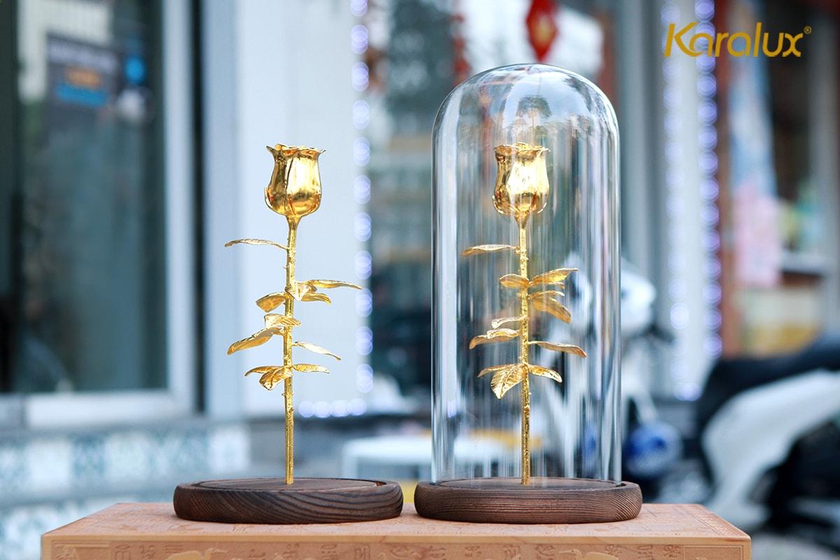 Bông hoa hồng mạ vàng với chụp thủy tinh Karalux 11