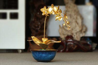 Hoa phong lan tai lộc mạ vàng